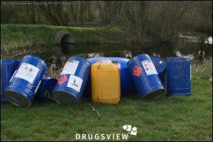 Dumping met dampende jerrycan.
